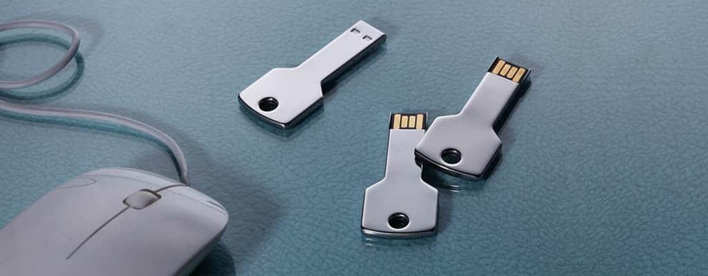 clé USB en forme de vraie clé en métal